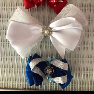 Other - Girls bows fancy new condition!